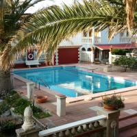 Las Belisas - Apartamentos, hotel in Arenal d'en Castell