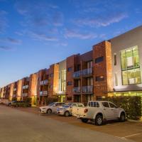 Perth Ascot Central Apartment Hotel, hotel near Perth Airport - PER, Perth