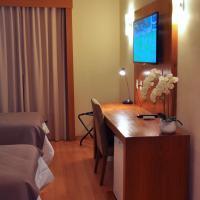 Cegil Hotel Boulevard, hotel in Resende