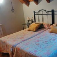 Pirinargi Apartamento, hótel í Abaurrea Alta