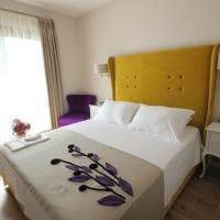 Blanco Hotel, отель в Тузле