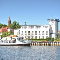 HafenHotel PommernYacht, отель в городе Иккермюнде