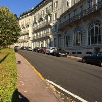 Acacias Apparts Hotel, hotel in Plombières-les-Bains