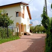 Pension Johnny House, hotel near Iași International Airport - IAS, Iaşi
