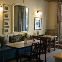 Falcon Inn, hotel in Painswick