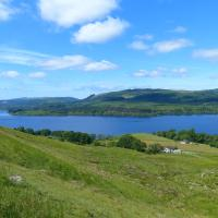 Blarghour Farm Cottages Overlooking Loch Awe, hotel in Ardchonnell