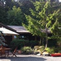 Seal Beach Cottage, hotel in Mayne Island