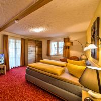 Sonneneck Hotel & Restaurant mit Terrasse - Titisee (Adults Only), hotel in Titisee-Neustadt