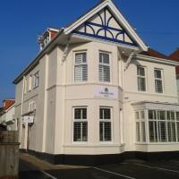 Crossroads Hotel, hotel in Bournemouth