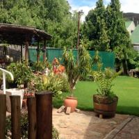 Asboom/Ashtree Guesthouse, hotel in De Rust