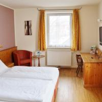Gasthof zur Strass, hotel in Eugendorf