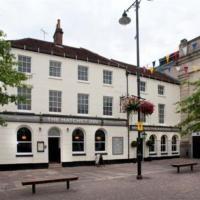 The Hatchet Inn Wetherspoon, hotel in Newbury