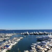 Amazing View Port Golfe-Juan、ゴルフ・ジュアンのホテル