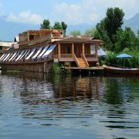 Sukoon Houseboat Dal Lake