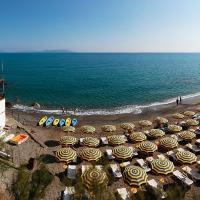 VRclub - Villa Ridente Residence, hotel a Gioiosa Marea