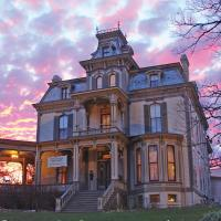 Garth Woodside Mansion Bed and Breakfast, hotel in Hannibal
