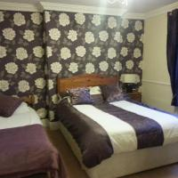 The Penruddocke Arms, hotel in Dinton
