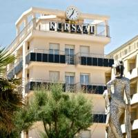 Hotel Kursaal, отель в Римини