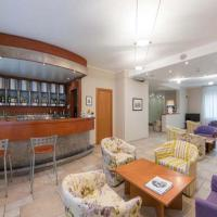 Hotel Lux, hotel in Alessandria