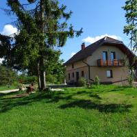 Holiday Home Razglednik, hotel en Logatec