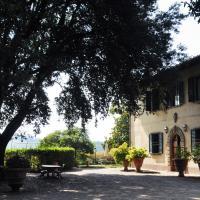 Villa Il Leccio, hotel in Strada