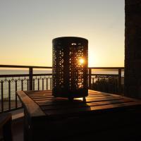 Royalty Suites Sea Side, ξενοδοχείο στη Νικήτη