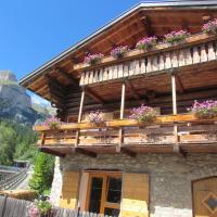 Casa Lausa, hotell i Mazzin