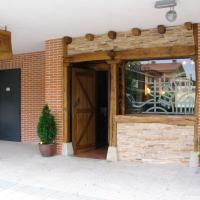 Hostal Xaloa Orio, hotel in Orio