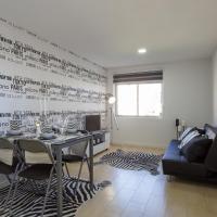 House Black & White