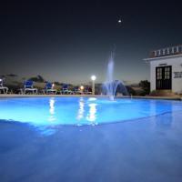 Sunset Resort & Villas, hotel in Treasure Beach