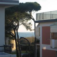 Villa Manuela Apartment, hotell i Marinella di Sarzana