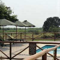 Ihamba Lakeside Safari Lodge, hotel in Kahendero