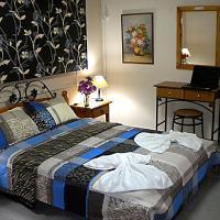 Chios Rooms MyView, hotel in Karfás