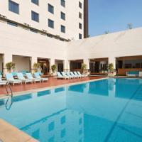 Ramada Plaza By Wyndham Agra, hotel in Agra