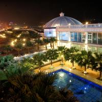 White House Hot Spring Beach Resort, hotel in Wanli District