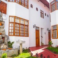 Hotel & Bungalows Villa Valencia, hotel in Huaraz