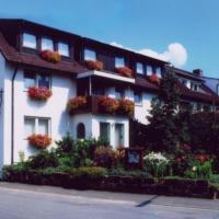 Adolphs Frühstückspension, отель в городе Бад-Штаффельштайн