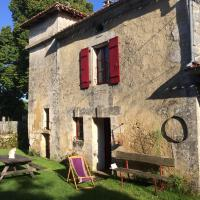 Gite Pigeonnier, hotel in Cercles