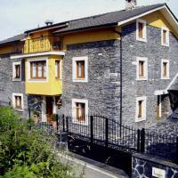 Apartamentos Rurales Los Galpones, hotel in Coaña