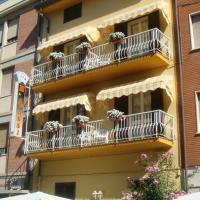 Hotel I 4 Assi, отель в Виареджо