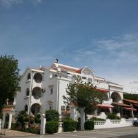 Guest house Petra, hotel u Novom Vinodolskom