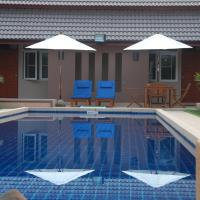 Lanna Thai Villa Home Stay, hotel in Thoeng
