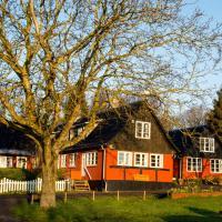 Pyttegården Apartments, hotel i Gudhjem
