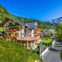 ALMHOF Alpin Apartments & Spa, hotel in Dienten am Hochkönig