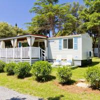Quality Mobile Homes in Camping Kazela, hotel in Medulin