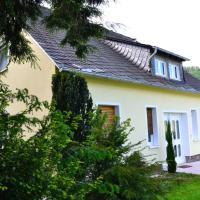 Ferienhaus-Sternenberg, hotel in Alf