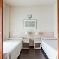 Residencia Universitaria Giner de Los Ríos, hotel en Alcalá de Henares