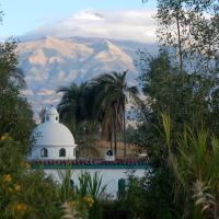 Las Palmeras Inn, hotel em Otavalo