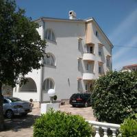 Garfild Guest house, hotel u Novom Vinodolskom