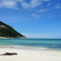 Bottle Beach 2 Bungalows, hotell sihtkohas Haad Khuat